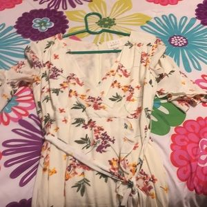Lost and wander floral dress size small